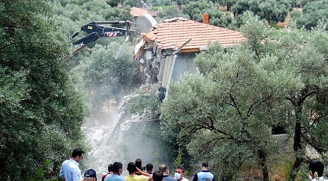 Akbük koyunda yıkımlar tekrar başladı
