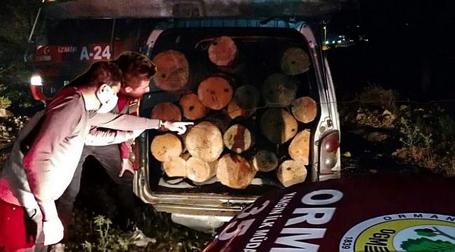 Aliağa Ormanlarında  Gece Devriyesine Çıkan  Koruma Ekipleri  Kaçakçıları Suçüstü Yakaladı