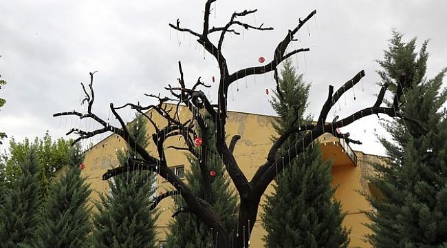 Kırşehirli 193 şehidin künyelerinin asıldığı Şehitler Ağacı oluşturuldu.