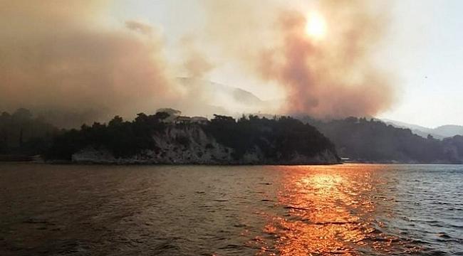 Samos'a Orman Yangını Kabus Gibi Çöktü